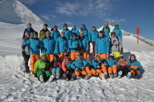 Skischule_Schwabmuenchen_Gruppenfoto_Schneesportlehrer_Tux-Oktober2015-web